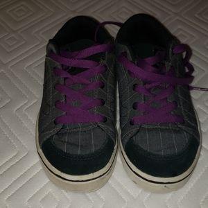 Kids Purple pinstripe Vans